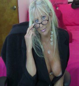 blonde mature cams