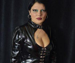 mature mistress live